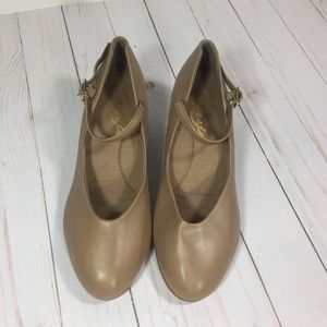 Capezio Tan Character Shoes Size 7.5 W